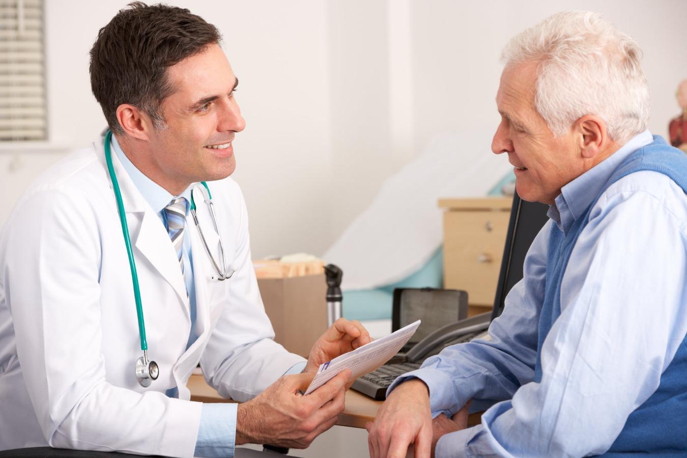 Bệnh đau nhức xương khớp thường gặp ở người già