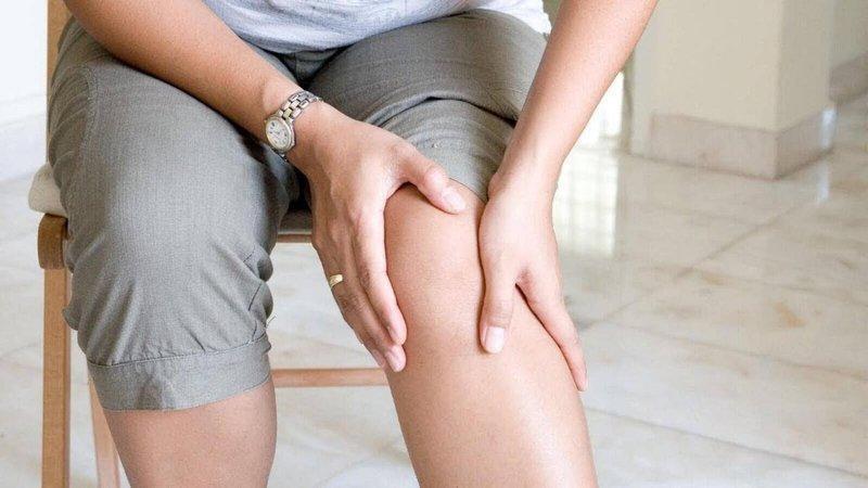 Thoái hóa khớp gây đau đớn và ảnh hưởng rất lớn đến quá trình vận động.