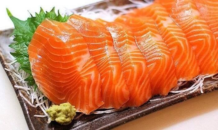 Cá hồi có rất nhiều chất dinh dưỡng tốt cho gan