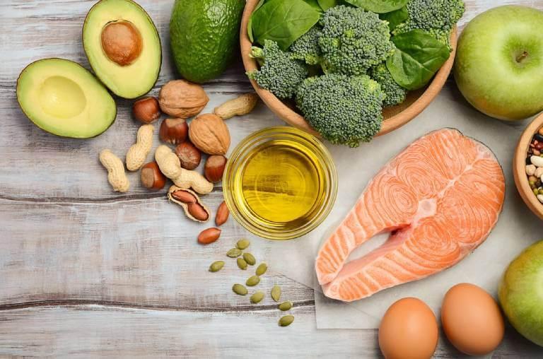 Đảm bảo chế độ ăn uống đầy đủ và cân bằng các chất dinh dưỡng