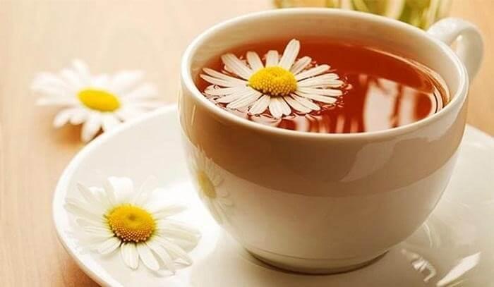 Trà hoa cúc giúp thanh lọc và ngăn chặn các chất gây hại cho dạ dày