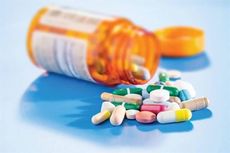 Cần phải cẩn trọng khi dùng thuốc tây y điều trị đau họng