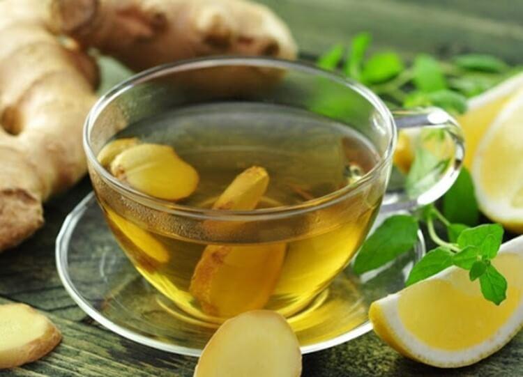Một số loại thực phẩm có thể làm giảm ho khan như mật ong, gừng,...