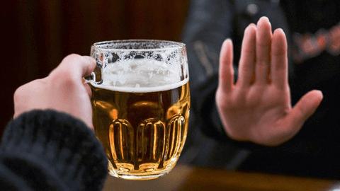 Nguyên nhân chính gây ra gout chính là thức uống có cồn