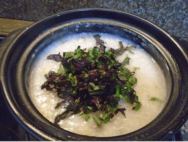 Sử dụng tía tô trong bữa ăn hàng ngày: nấu cháo, ăn sống,…