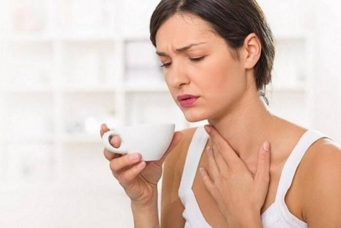 Tinh dầu gừng sẽ góp phần trong việc điều trị các vấn đề về viêm, đau họng