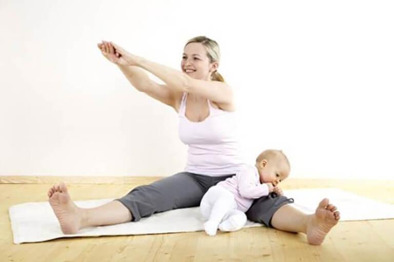 Phụ nữ sau sinh nên có thời gian nghỉ ngơi