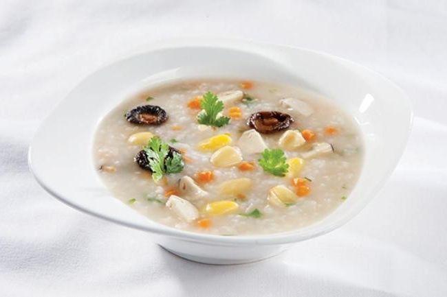Người bị bệnh nên ăn thức ăn mềm và dễ tiêu