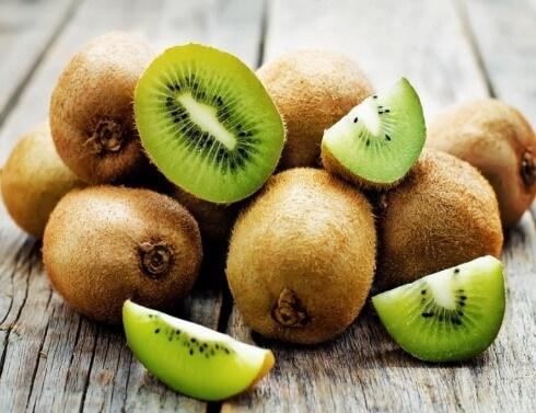 Ăn kiwi ngừa táo bón