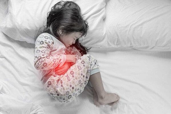 Nếu sự đầy hơi kéo dài sẽ gây ra những cơn đau cho trẻ