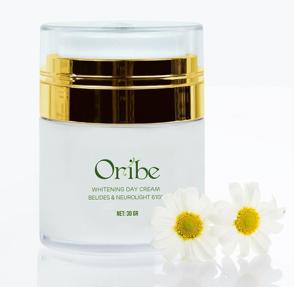 Sản phẩm kem dưỡng trắng da ban ngày Oribe